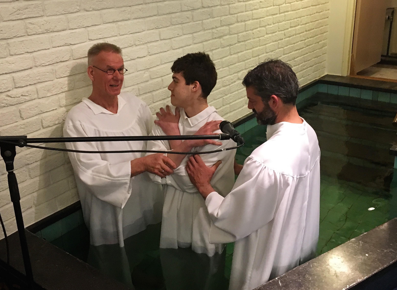en laat u dopen